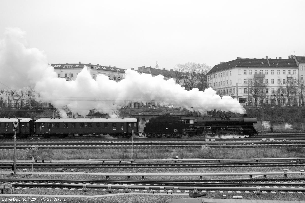 http://file.gerdijkstra.de/Foto/2014_11_30_Berlin_02.jpg