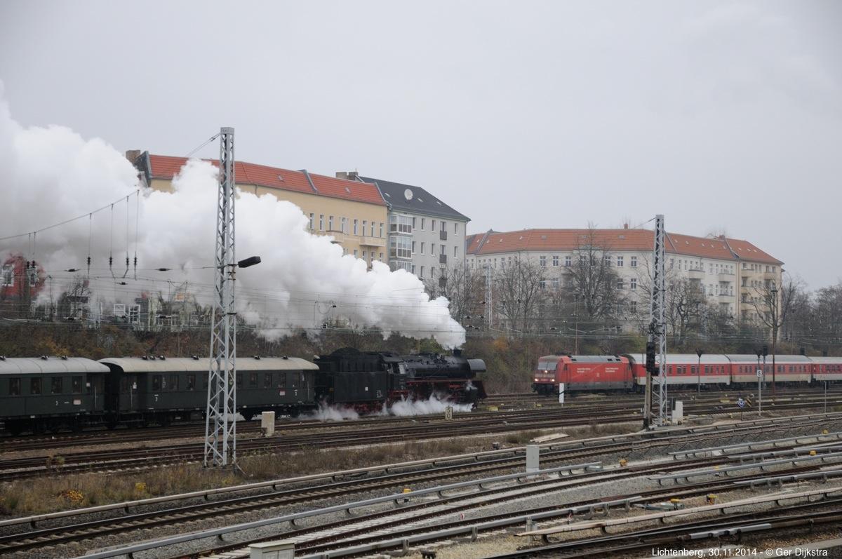 http://file.gerdijkstra.de/Foto/2014_11_30_Berlin_03.jpg