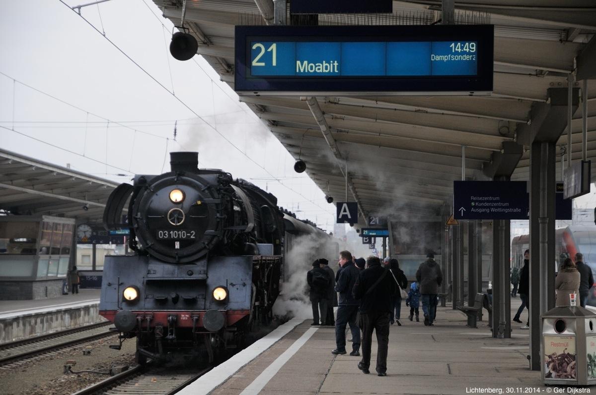 http://file.gerdijkstra.de/Foto/2014_11_30_Berlin_06.jpg